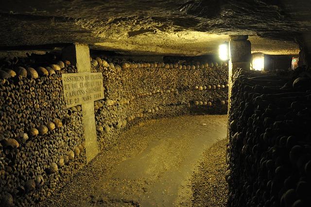 Parížske katakomby